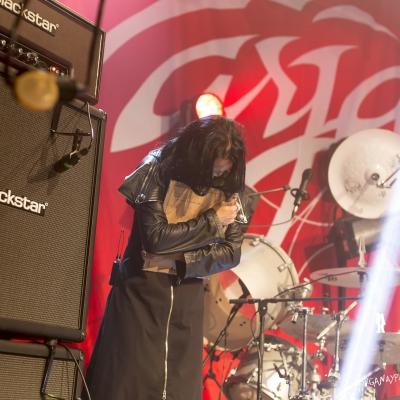 Nos deja la musa de Symphonic Metal. Resumiendo, magnifica actuación.
